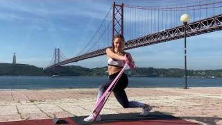 Lunge Hold Twists (Left) with Long Resistance Body Bands – Zaksy.com