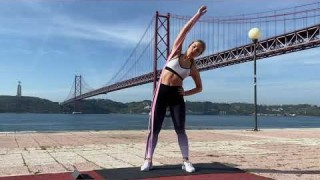 Standing Side Crunches (Right) with Long Resistance Body Bands – Zaksy.com