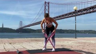 Bent-Over Row with Long Resistance Body Bands – Zaksy.com