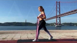 Lunges with Long Resistance Body Bands – Zaksy.com